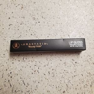 NEW ANASTASIA LIPGLOSS IN BUTTER SCOTCH